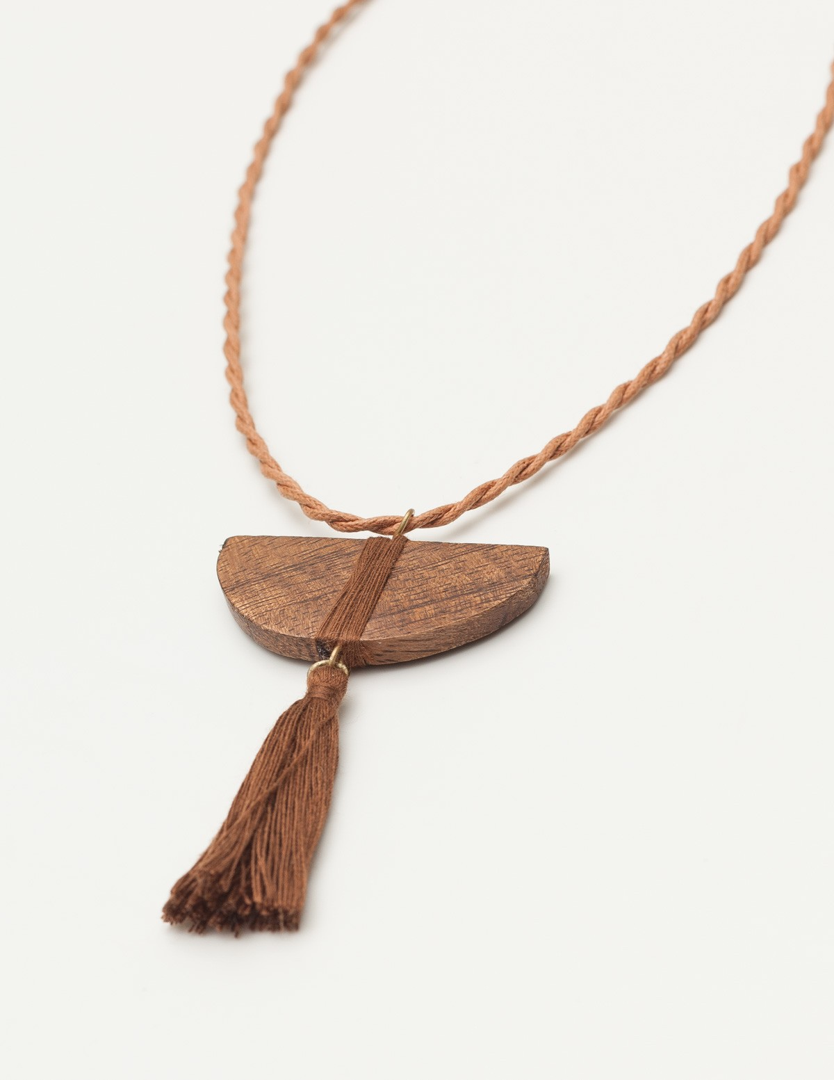 Wooden piece necklace