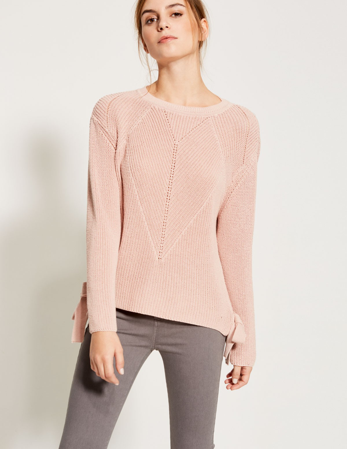 Bow side sweater