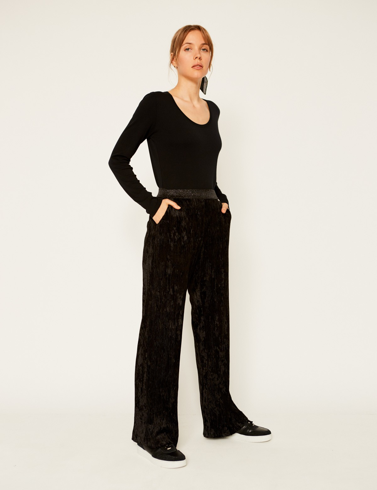Pantalón plisado terciopelo