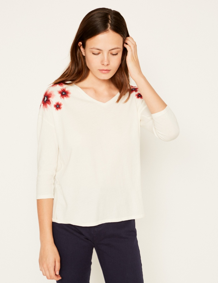 Camiseta bordado flores