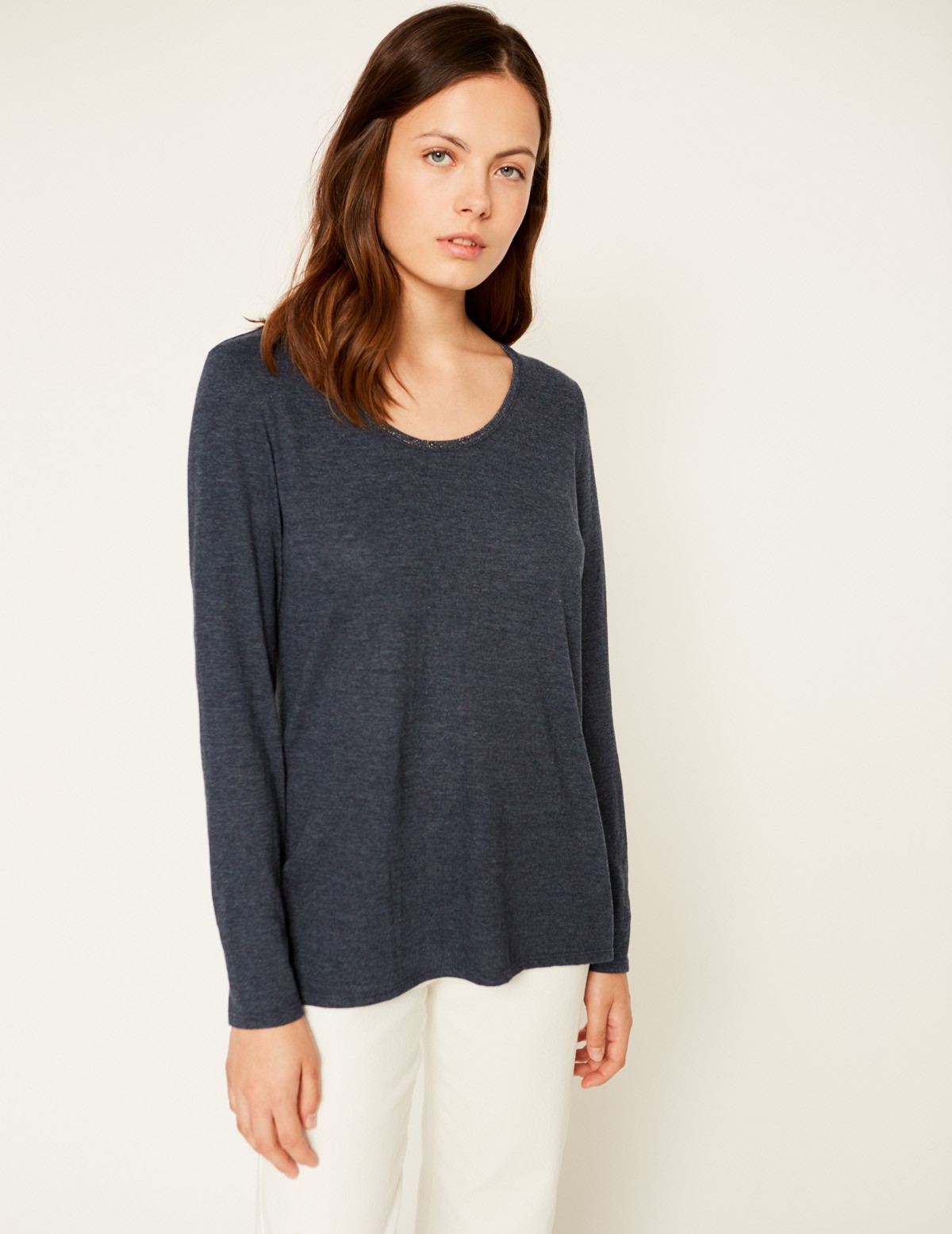 Camiseta escote brillo