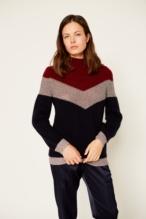 Metallic yarns sweater