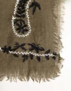 Pañuelo lana bordado - Ítem1