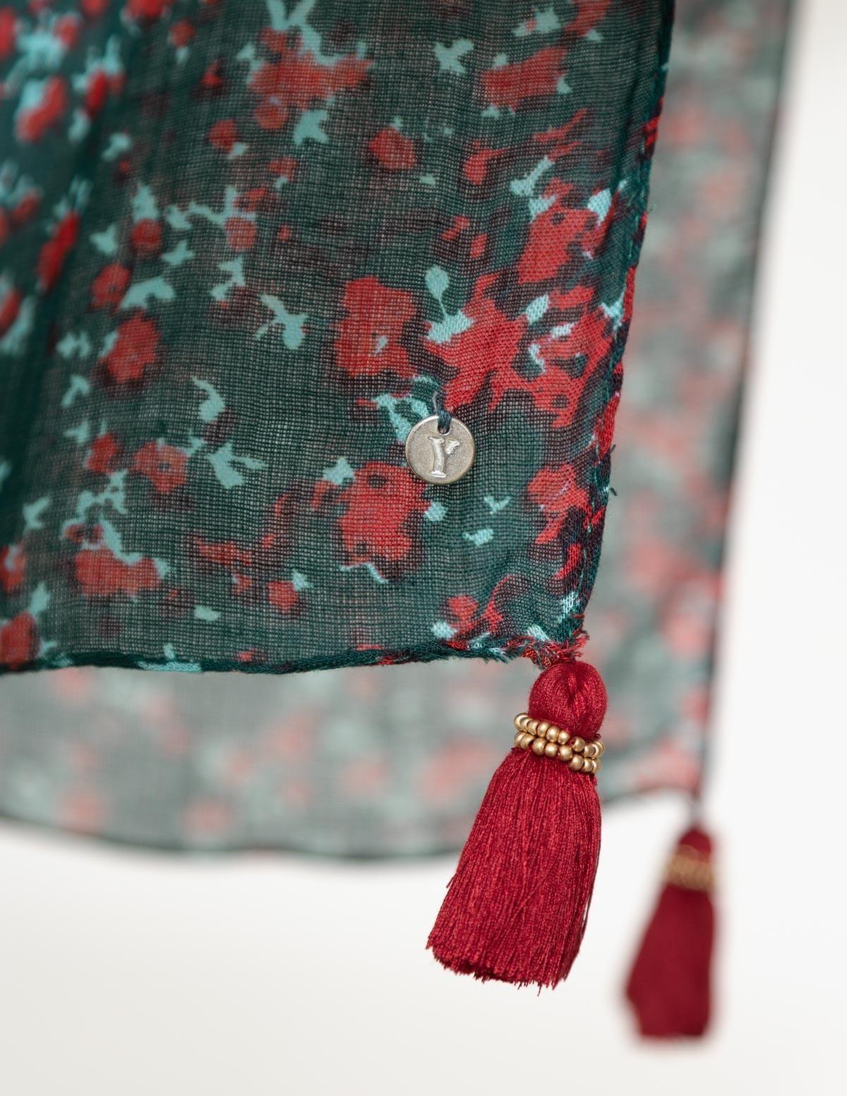 Pañuelo detalle pompones - Ítem1