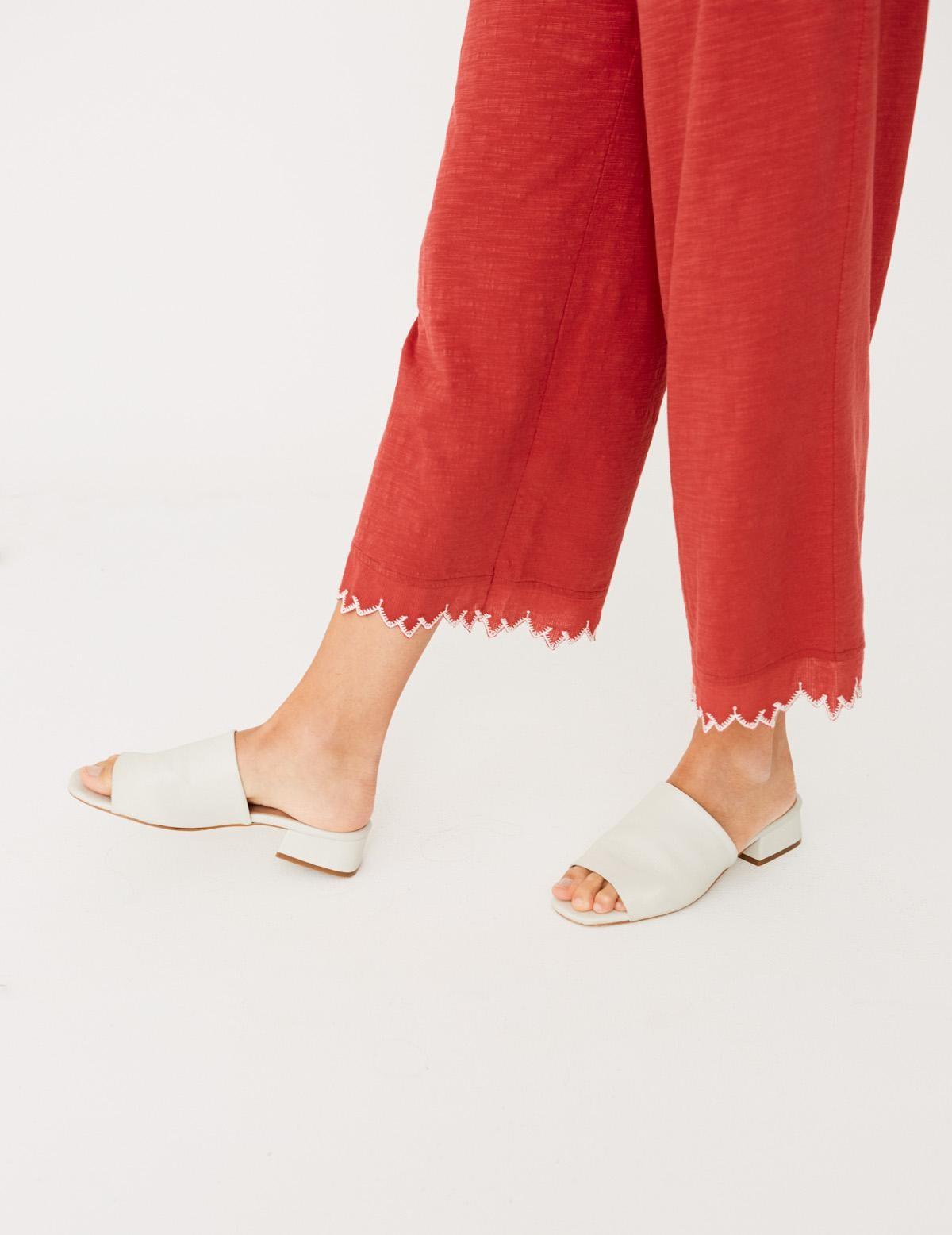 Pantalón bordado en el bajo - Ítem2