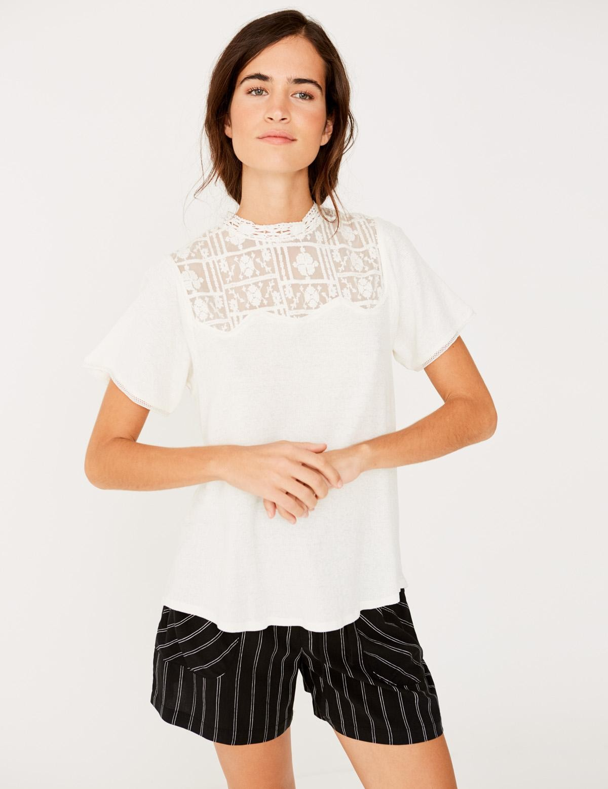A-line t-shirt with lace edging