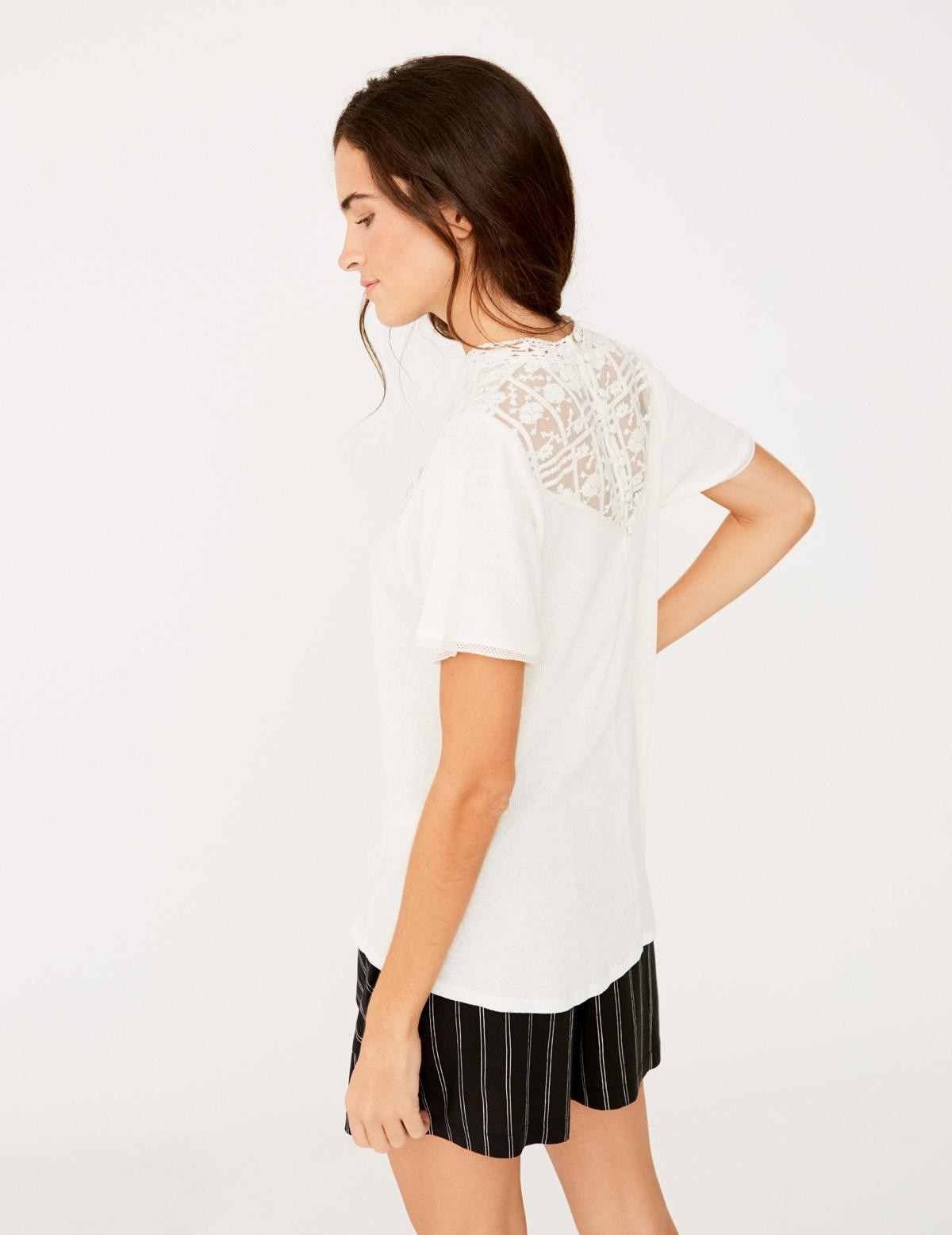 A-line t-shirt with lace edging - Item1