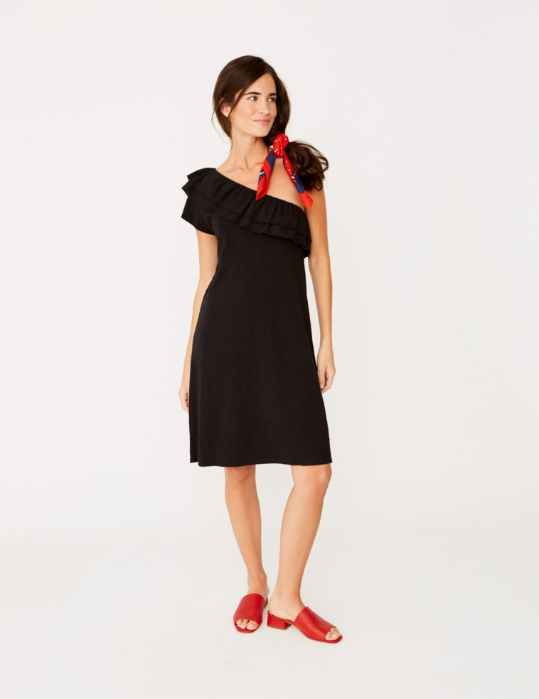 Asymmetric dress with ruffle