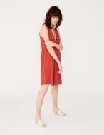 Sleeveless embroidered dress - Item