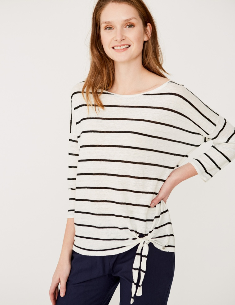 Striped t-shirt with low knot