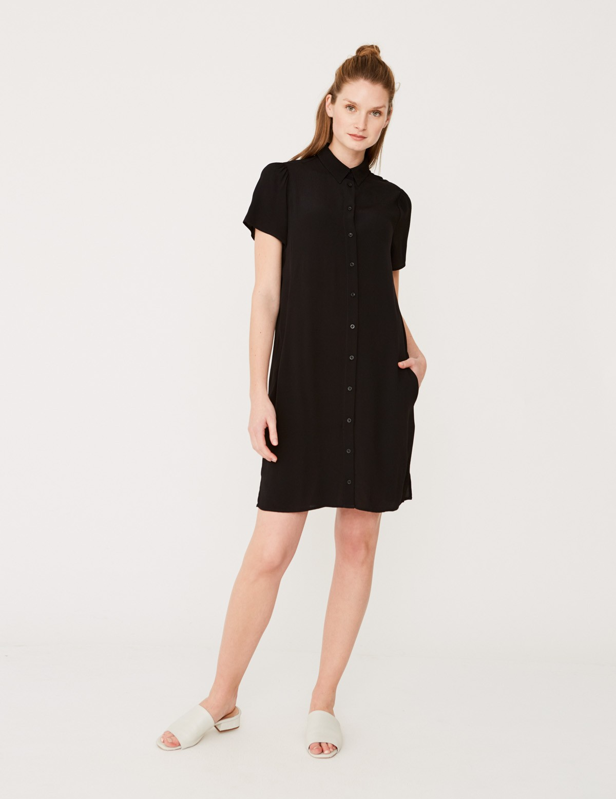 Flowing shirt-like dress