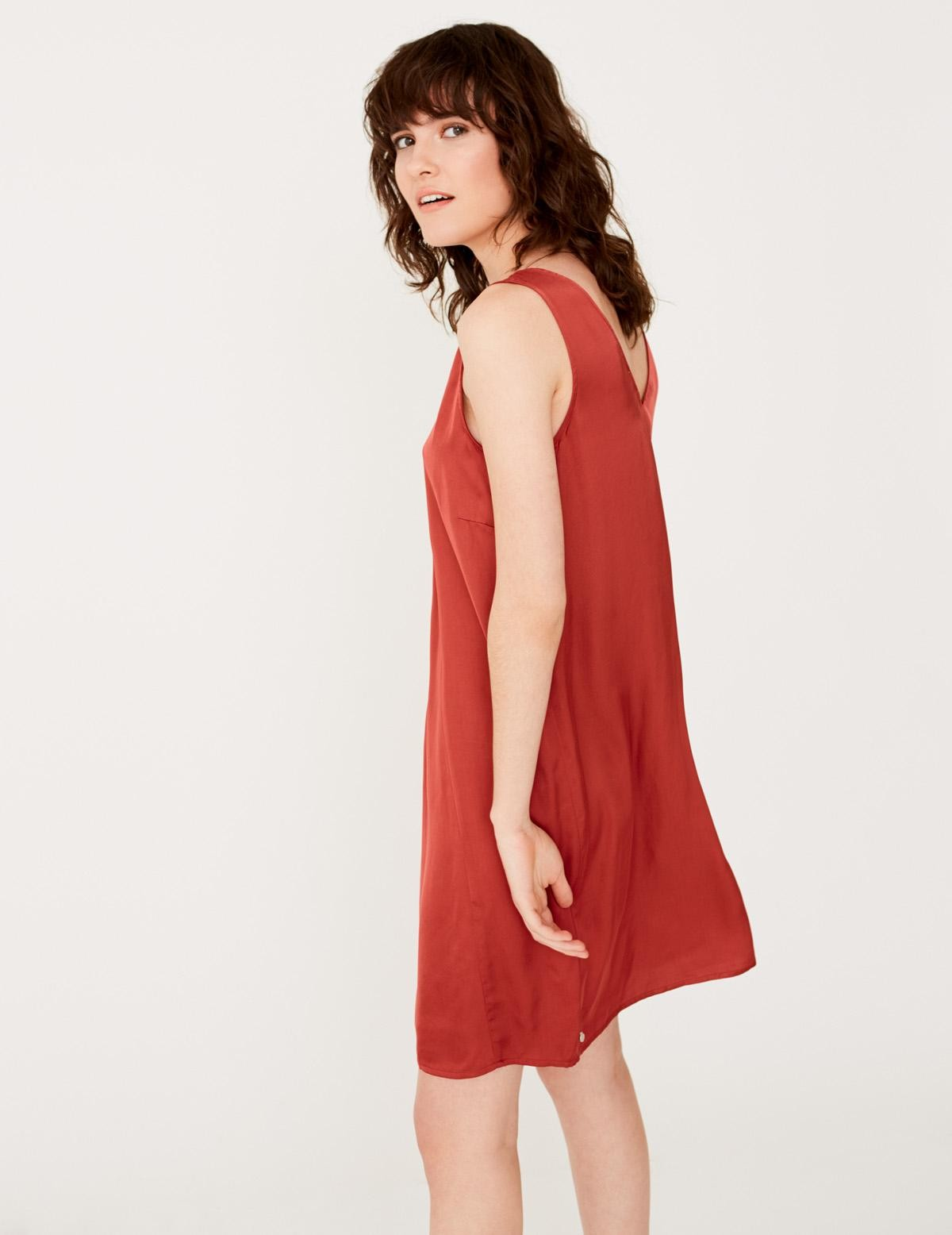 Strap dress with V-neckline - Item2