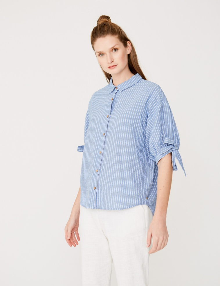 Puffed sleeved shirt