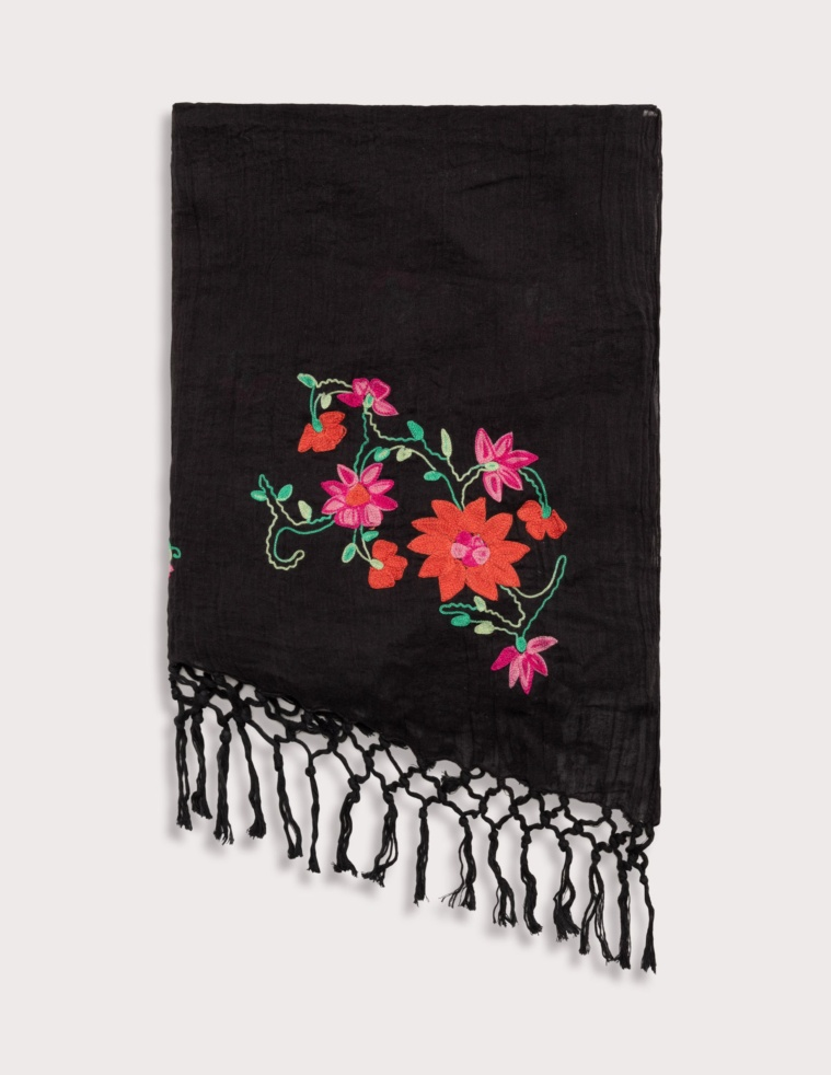 Embroidered foulard