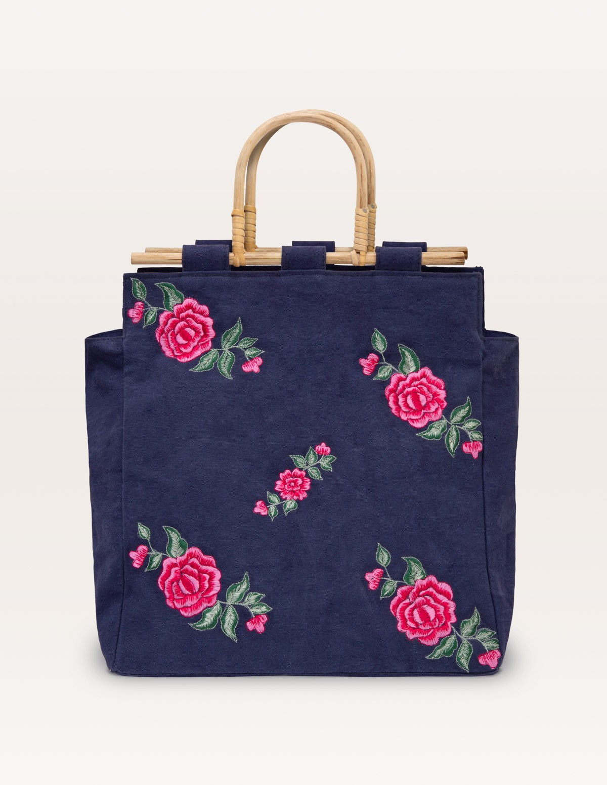 Embroidered bag - Item