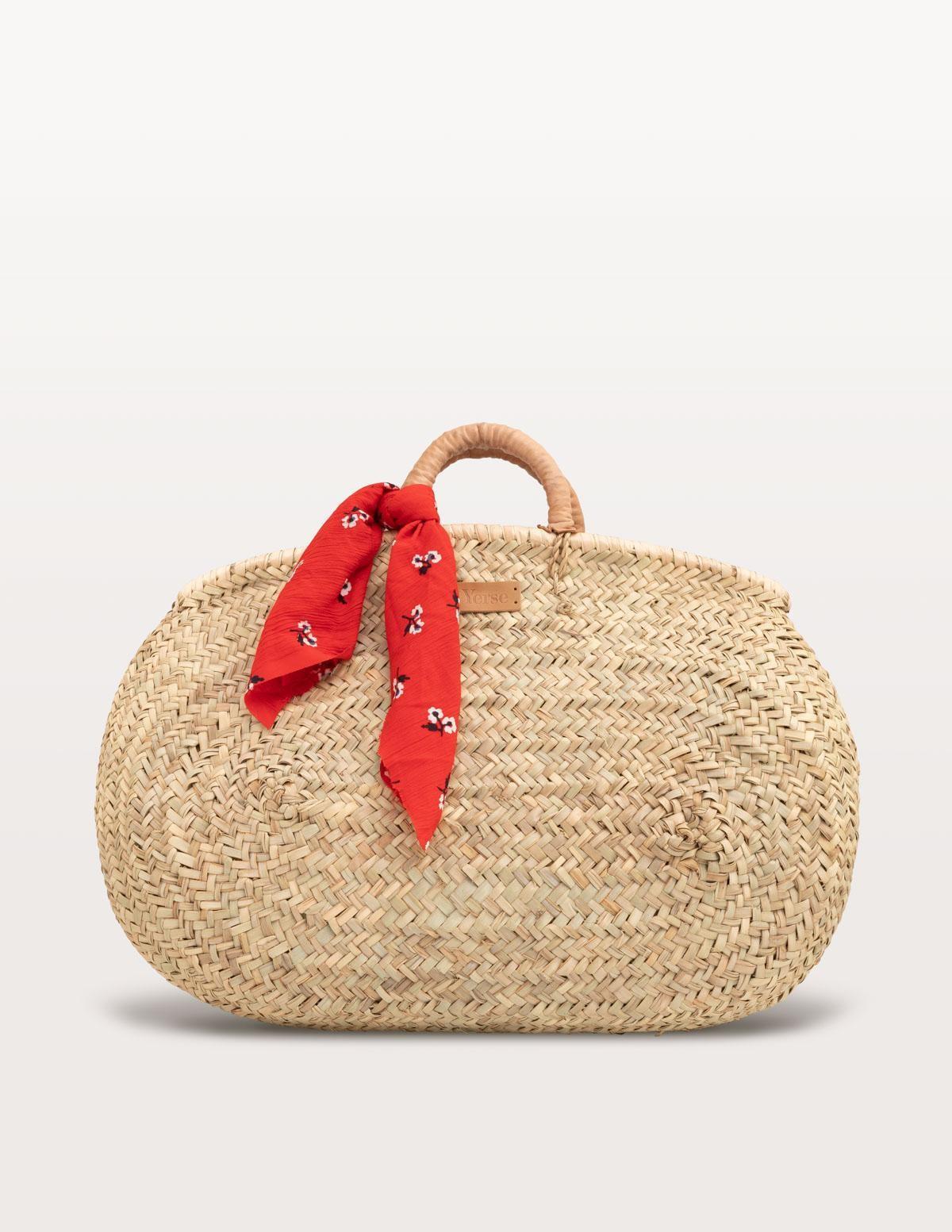 Wicker basket with foulard detail