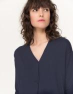 Camiseta fluida cuello pico - Ítem2