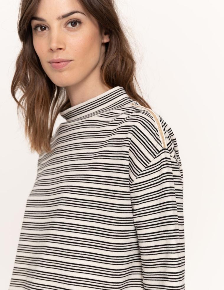 Tube-neck sweatshirt
