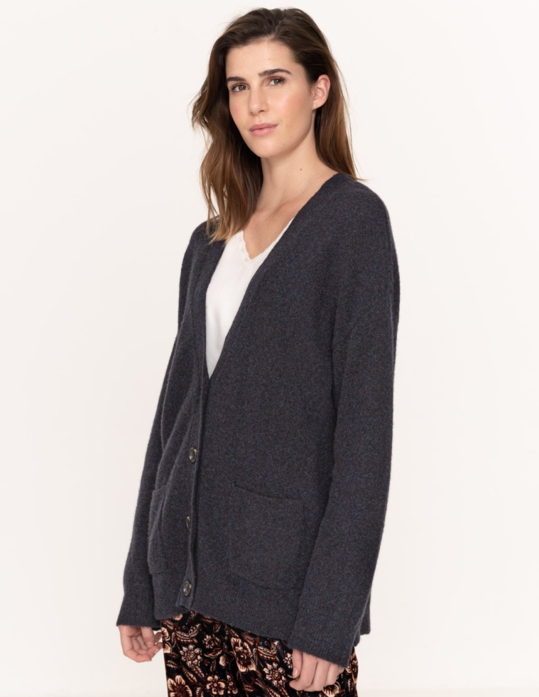 Buttoned cardigan with pockets