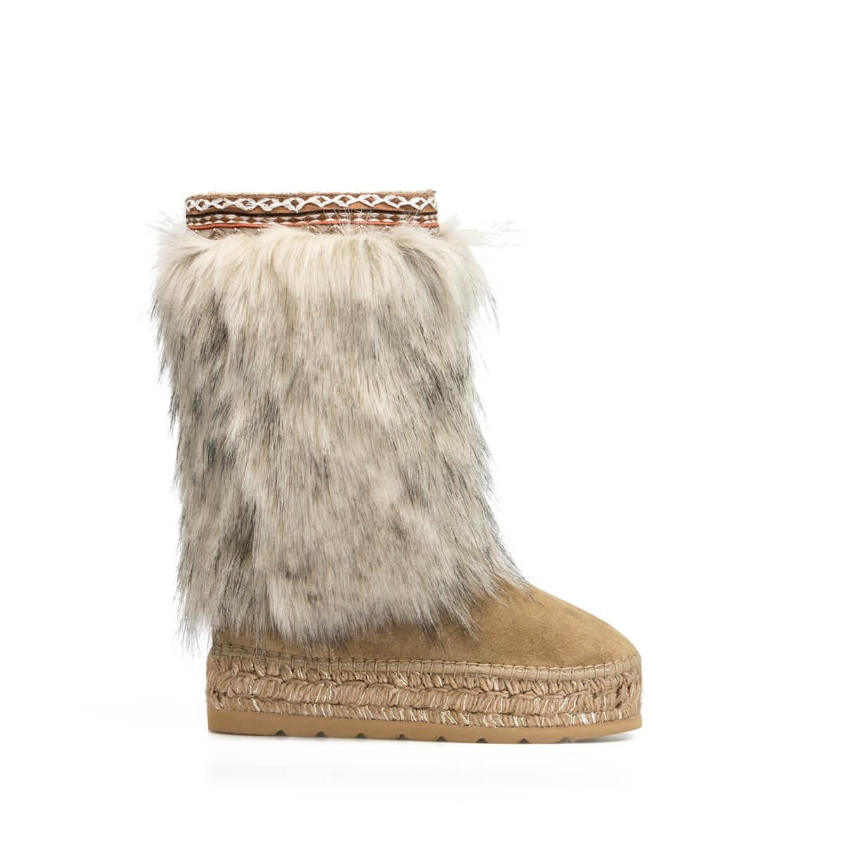 the best attitude 6be82 628d0 Camel Multicolor Fur Design Winter Boot