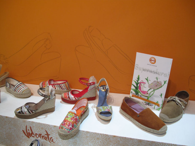 Male and women espadrilles
