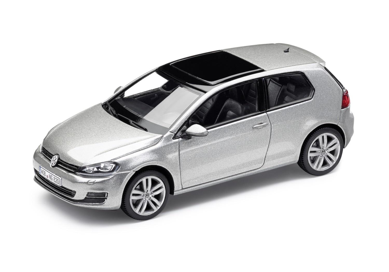 Golf VII 2 puertas plata tungsteno metalizada, escala 1:43