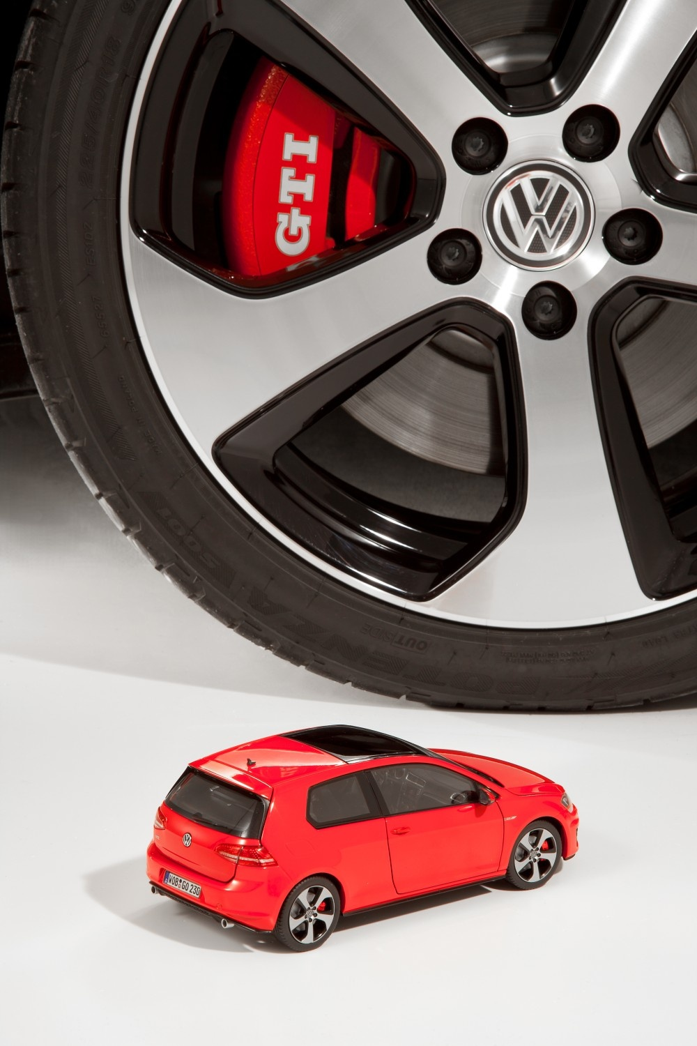 Golf VII GTI, escala 1:18 - Ítem7