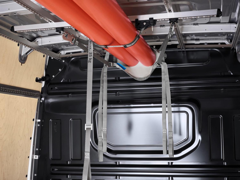 Amarre longitudinal para el soporte interior de techo