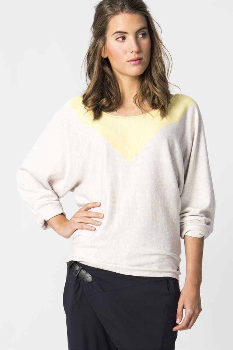LALIE Sweater