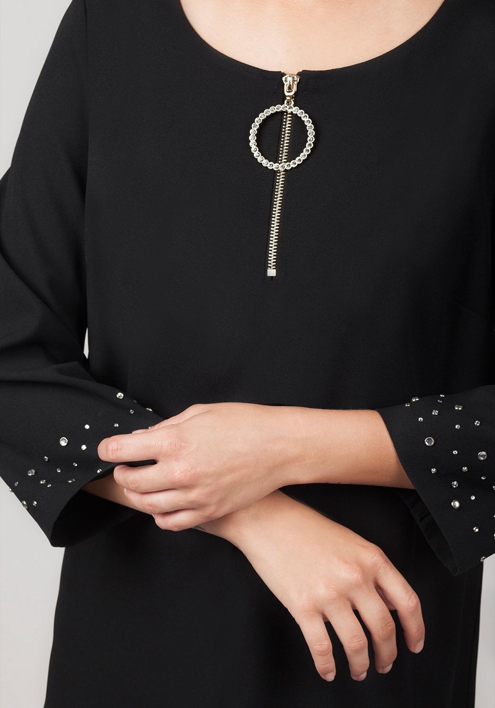Vestido negro pedrería 1