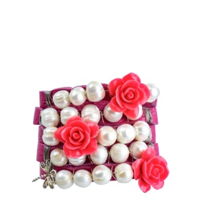Leather Bracelet with pearls and flowers