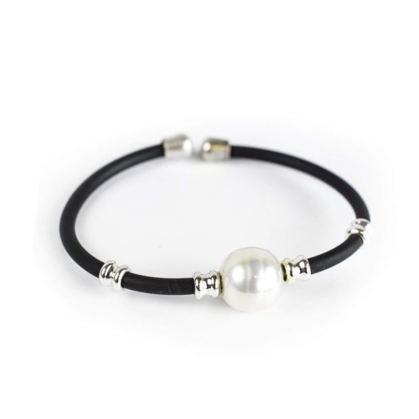 NEW - Black and white rubber wristband