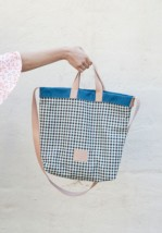 Bolso Shopper Reversible Cuadros Azul