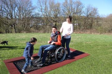 Cama elástica para sillas de ruedas