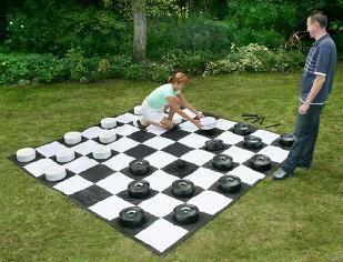 damas gigantes,juego de damas,juego de jardín,inforchess,ajedrez,ajedrez gigante