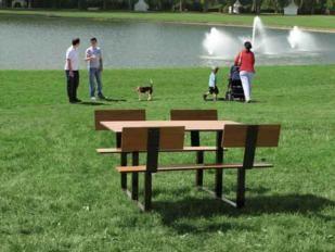 mesa de picnic exterior con respaldo riga