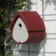 Esta caja-nido es un modelo universal para páridos, gorriones y papamoscas.