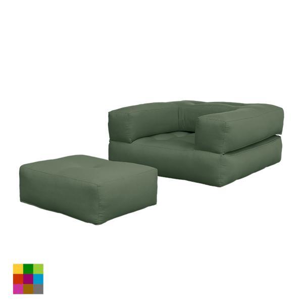 El sillón cama Cube es de lo más versátil: cerrado es un estupendo sillón con puf reposa-pies; abierto es un futón individual a modo de cama.