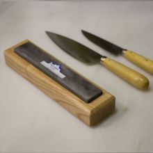 Pack cuchillos Pallarés y piedra de afilar con soporte de madera