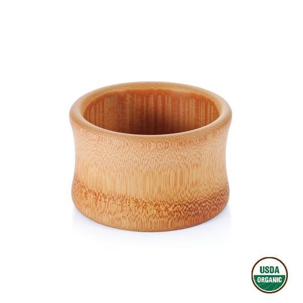 El tazón de bambú para bebés es un recipiente seguro porque no se astilla ni se rompe.