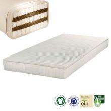El colchón Barbados Plus: El núcleo se compone de tres capas de látex 100% natural y dos capas intercaladas de fibra de coco, recubiertos de lana nueva de oveja certificada o de algodón orgánico.