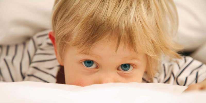 para elegir un buen colchón infantil, sobretodo, debemos fijarnos en que dicho colchón esté fabricado a partir de materiales naturales que garanticen la ausencia de sustancias nocivas en su composición