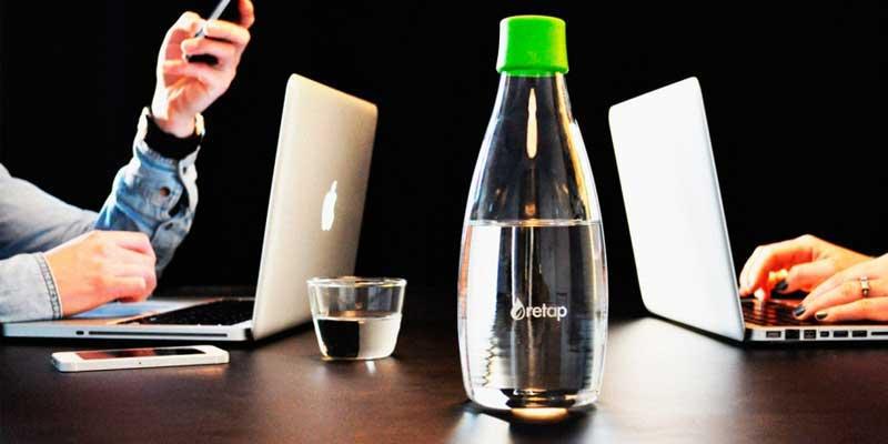Las botellas reusables Retap están especialmente concebidas para beber agua, para personas con un estilo de vida sano que quieren cuidar su salud y la del medio Ambiente utilizando un producto reusable y no desechable.