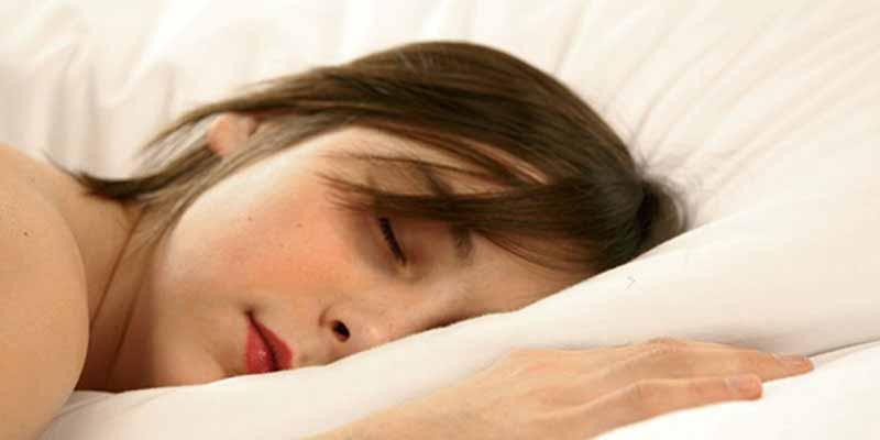 También es fundamental que un buen colchón para personas alérgicas disponga de una funda extraíble de algodón orgánico y lavable a máquina.