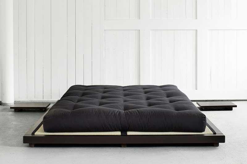 Te traemos una selección de los mejores futones naturales, acompañados de tatamis eco y de bases de madera para los mismos