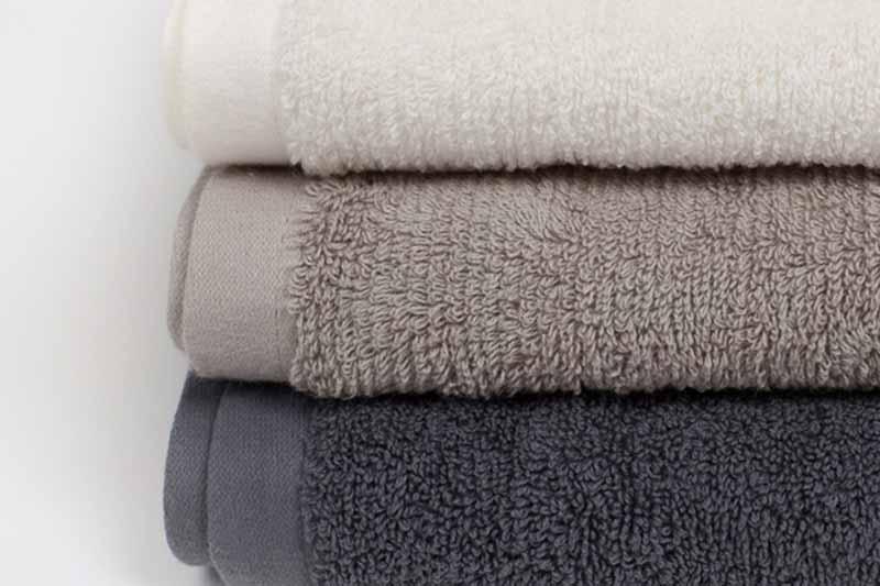 Presentamos la nueva gama de toallas de algodón orgánico 100% Acqua, un producto suave para todo tipo de pieles que además es ecofriendly