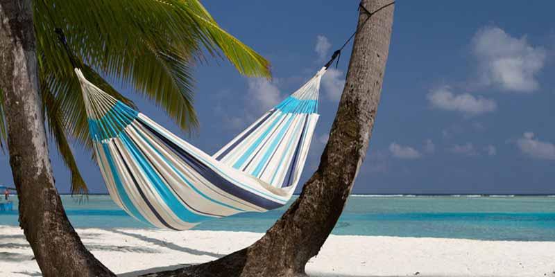 Hoy en día la hamaca es un complemento del hogar muy apreciado por individuos, parejas, familias, viajeros e, incluso, terapeutas.