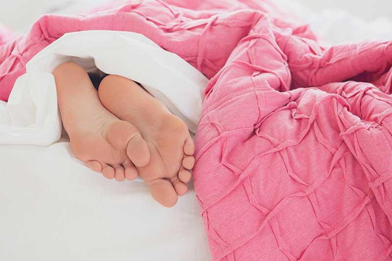 Dormir bien te ayuda a bajar de peso