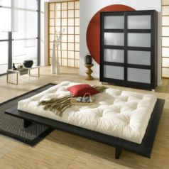 Jaka es una cama de madera sostenible en acabado wengué