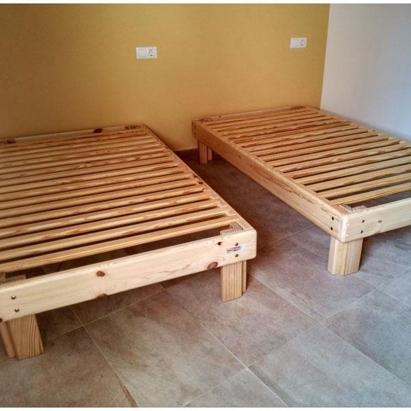 Cama somier madera fustaforma for Como hacer una cama matrimonial de madera